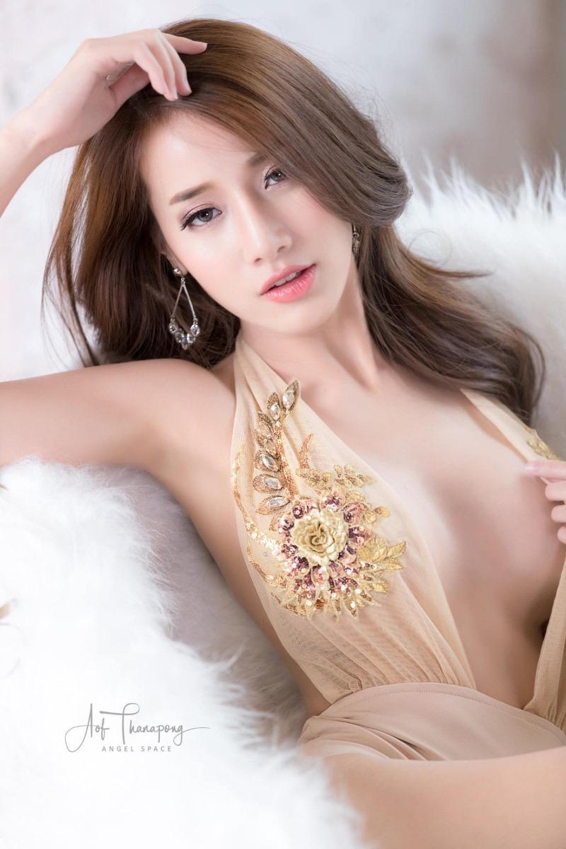 태국 모델 Pichana Yoosuk